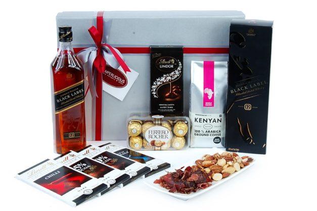 Johnny Walker Black Whisky Gift Set