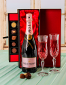 Moet & Chandon Champagne and Chocolate Gift Set