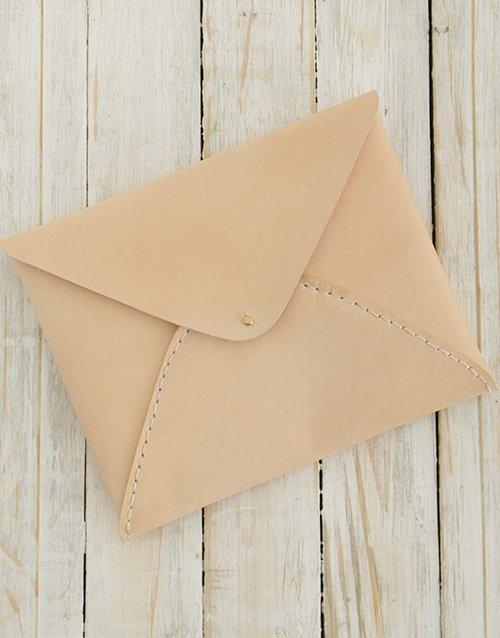 Ilundi Heirloom Oyster Envelope Clutch