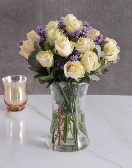 roses Cream Roses In Clear Vase