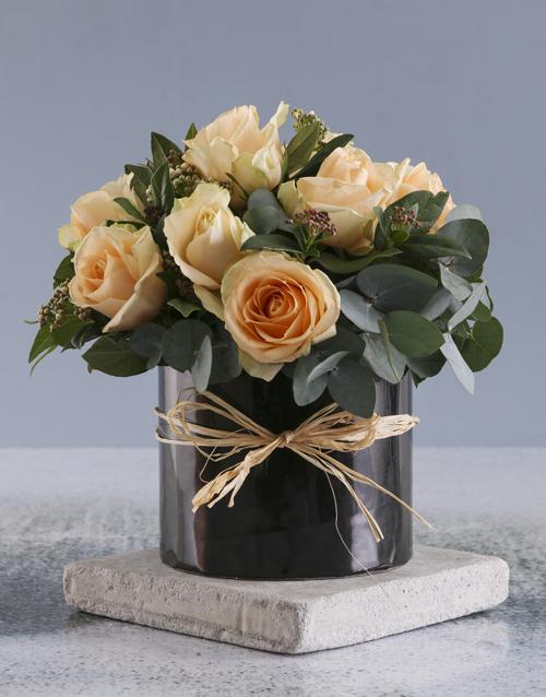roses Peach Roses In Black Round Box