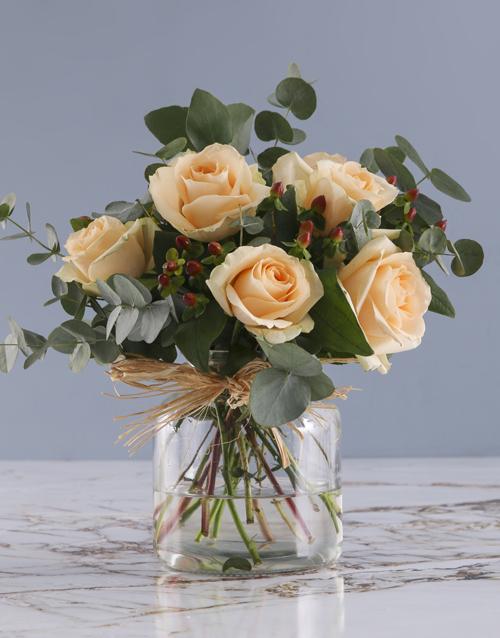 roses Peach Roses In Regent Glass Vase