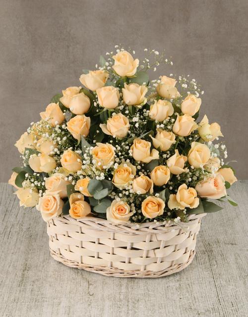 roses Cream Roses in Wicker Basket
